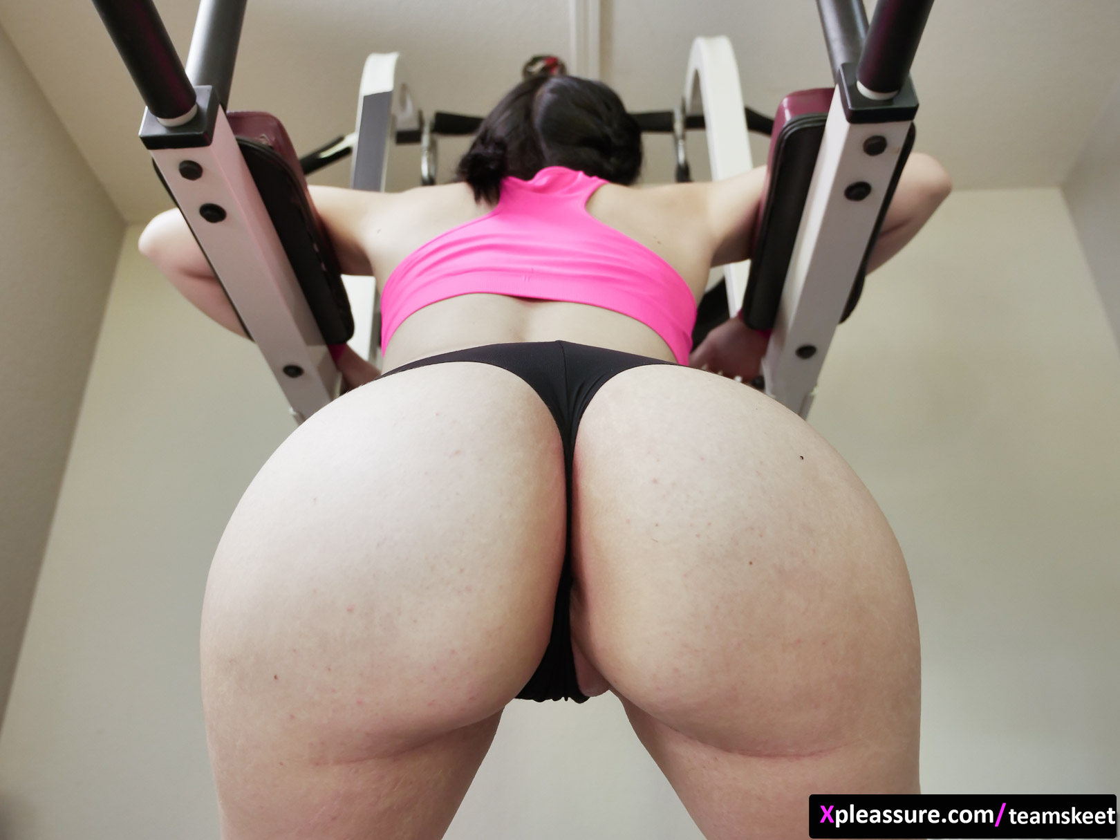 TeamSkeet - The Real Workout – P90Sex scene starring Violet Rain & Rion King (12/25)