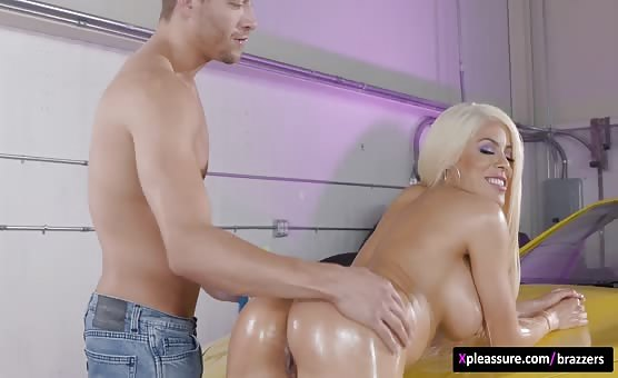 Brazzers - Big Wet Butts - Low Ride Her scene starring Luna Star & Xander Corvus